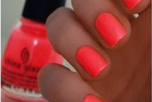 Nails, hair, makeup and fitness / Check out joyful-nails.com, my best friends blog about nailpolish :)