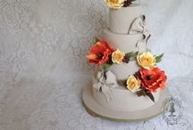 cakes <3 / Inspiration for my everyday life as a baker.  / by Staycee Anson