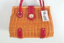 Kurvetasker. Wicker bags  Straw bags / Tasker flettet af strå, pil, peddigrør eller andet  Bags from wicker, rattan, straw, paper evt.
