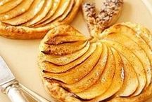 French Desserts & Pastries Recipes / Recipes for the most delicious and easy French desserts and pâtisseries! Features classic, authentic recipes, with chocolate or fruit.