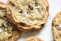 [FRENCH] Les Meilleurs Cookies / Les recettes les plus appétissantes et les plus faciles pour des cookies moelleux et vraiment gourmands. Cookies au chocolat, cookies américains, cookies sains, cookies à l'avoine...