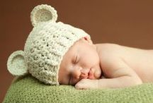 Heart Melting Newborn Photography and Tips / Inspiration for newborn photographs including tips for props and DIY shoots.