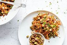 Salads / Healthy salad recipes and food photography. Easy and quick salads for winter, spring, summer and fall. Find salads with chicken, broccoli, kale, beans..