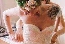 ❤ Wedding dress / Robes de mariée à croquer. Dentelles, couture, courte, minimaliste, rétro, sophistiquée, sobre ou délurée • Wedding dresses with style and grace  / by Trendy Wedding