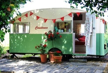 Vintage Campers/Trailers / by Wendy Corning