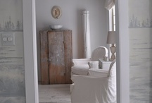 The Gustavian Home / Calm and simple rooms inspired by 18th century Swedish country interiors