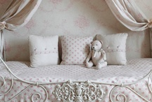 Children's Bedrooms / by Leopoldina Haynes