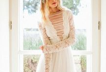 ❤ Boho wedding dress • Robe de mariée bohème / Je veux une robe de mariée bohème !  Great designer finds for a boho wedding dress !