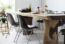 dining rooms / Design of dining rooms, tables, chairs, rugs, tableware, woodwork, colors, dining tables, dining chairs, dining room rugs, chandelier, modern dining room, traditional dining room, centerpieces, dining room lanterns, dining room woodwork, dining room sconces.
