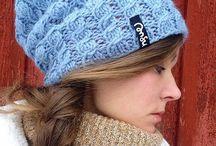 My Beanies / Pipoja / Knitted & crocheted hats made by me. Slouchy hats with a lining from micro fleece material or lighter jersey. Great for outdoor activities in cold weather, sport or play! All handmade, all unique. *** Käsintehtyjä kudottuja & virkattuja pipoja, vuoritettu fleece- tai trikookankaalla. Uniikkeja päähineitä Suomen sääoloihin, ulkoiluun ja talviurheiluun!