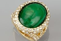 PANTONE 2013 Color of the Year: EMERALD / by Kirstin Leiby