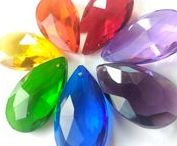 ♥ Chandelier Makeover / Sparking chandelier crystal prisms. So many colors and shapes of crystal prisms.