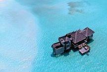 Maldives / Votre journée de rêve s'achève sur la terrasse de votre bungalow. Découvrez les Maldives et préparez-vous à rêver! Vous venez?