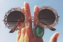 Acessórios / bijuterias, óculos, pulseiras, colares, brincos, anéis e muito mais...