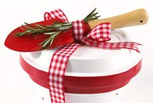 Homemade gifts / Make gifts more personal, save money, have fun! So many reasons to make your own gifts!