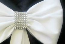 Pew Bows and Aisle Decorations / Creative ways to decorate your ceremony venue