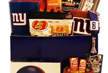 Gifts for New York Giants Fans / Score a touchdown with New York Giants fans of all ages with gifts and baskets filled with officially licensed merchandise