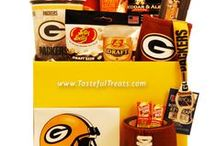 Gifts for Green Bay Packers Fans / Score a touchdown with Green Bay Packers fans of all ages with officially licensed gifts and gift baskets!