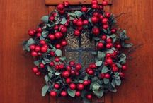 christmas decor / Beautiful Christmas decor and crafts to decorate the house or give as gifts.  / by Jamie {My Baking Addiction}