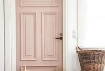 front door paint colors and inspiration / all the front door paint colors inspo