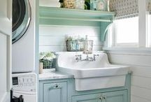 farmhouse sink ideas and inspiration / all the sink inspiration for a farmhouse or cottage feel