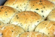 Food-Breads / by Heather Grissom