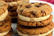 Food-Cookies / by Heather Grissom