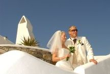 Not your ordinary Wedding on Mykonos Grand / Mykonos Grand provides an idyllic location for a wedding with its own chapel. Located 30 meters from the beach, the chapel is made in traditional Island style, whitewashed and with arched windows
