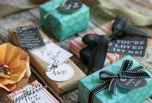 gift guide | cards & wraping
