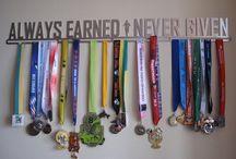 Run like a Girl / Ideas to display running bibs & medals