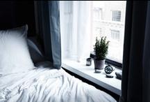 Chambres / des chambres et puis des lits / by Peg Zimbo