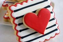 Valentine's Day Party / Making my little owns feel loved on Valentine's Day with a mini party. | Valentine's Day party | Valentine's Day party ideas | Valentine's Day party cookies | Valentine's Day party cakes | classroom valentines
