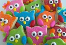 Owl Party / owl party | owl decorations | owl dessert table | slumber party | sleepover | sleepover birthday | slumber party ideas | children's birthday parties | birthday parties | kids parties | boy parties | girl parties | tween parties | teen parties | twins parties | party ideas | baby showers | boy baby showers | girl baby showers | twins baby showers | bridal showers | the party teacher | party planning | party planning ideas | party planning tips