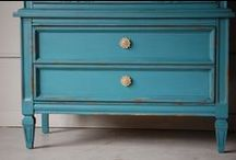 How to Paint Furniture / how to paint furniture | goodwill makeover | chalk paint | how to use chalk paint | painted furniture