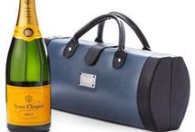 Champagne & Wine Gifts / In need of a gourmet gift, where the star of the show is wine, sparkling wine or champagne? Looks no further - we can also customise wine gifts to send the perfect present.