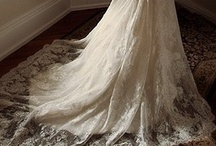 Wedding Dresses / by Amanda Woods