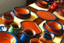 Vajilla de color azul / Esta es una vajilla de color azul que acabamos de hacer para un amigo. Son engobes y se puede encargar todo tipo de piezas en distintos colores, verde, azul, rojo, negro, blanco, crema, naranja