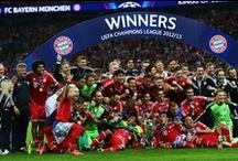 FC Bayern München / Der FC Bayern München ist ein Sportverein aus München. Die seit 2002 in eine eigene Aktiengesellschaft ausgegliederte Profifußballabteilung ist deutscher Rekordmeister, jeweils Rekordsieger im DFB-Pokal, ...