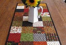 Table Runners, Place Mats & Pot Holders / Table Runners and Pot Holders