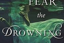 Books to Read for Halloween / Featuring a great list of Halloween books and books to read for Halloween, both for adults and for kids. Including creepy books, mysteries, psychological and supernatural thrillers, twisty thrillers, paranormal romances, books about witches, books about vampires, and more!