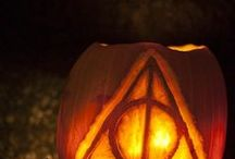 Bookish Halloween Ideas / Literary Halloween costume ideas, pumpkin carving inspiration, decorations, and more. All inspired by our favorite fictional characters and books.
