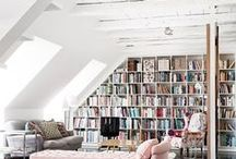Bookshelf Styling Ideas / Bookshelf styling and decorating ideas for bedrooms, living rooms, and the rest of the house. Featuring traditional bookshelves, floor-to-ceiling bookshelves, DIY bookshelves, repurposed bookshelves, insanely creative bookshelves, and more!