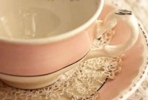 Collectibles / Lovely vintage/porcelain