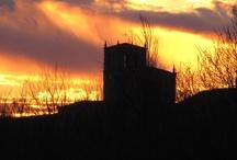 THE SUN IS HIDING / Fotografías de puestas de de sol en diferentes lugares de alguno de mis viajes.
