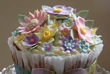 Cupcakes..Yummy! / by MariAnne Krider