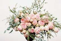 FLOWERS / Who can say no for beautiful flowers? Get inspire: flowers, flower decoration, wedding flower decoration and more.