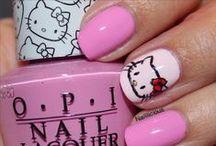 HELLO KITTY / Hello Kitty är en kollektion men nya söta nyanser som definitivt skapar leende & glädje på en Hello Kitty nivå! <3