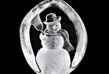 Crystal Christmas Sculptures / Decorate your home this holiday season with these beautiful crystal Christmas sculptures. Each holiday crystal will give your home a festive exciting look.