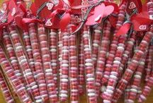 Valentine's Day Decor & Crafts  / by lauravegas