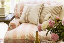 HOME :: Curl Up / Sofas, chaises and big comfy chairs...to read, rest, play on Pinterest with your I-Pad...